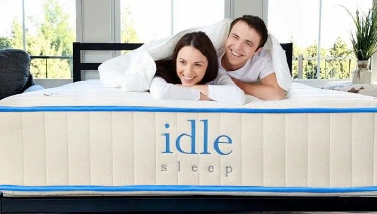 The Idle Latex Mattress With Couple.