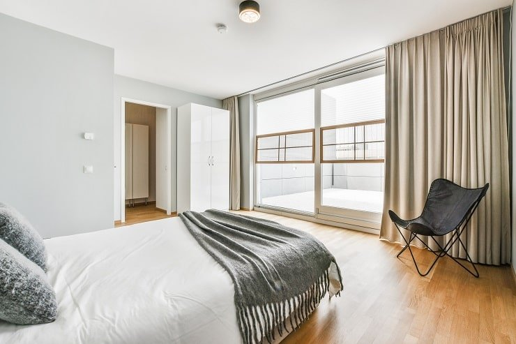 Small Bedroom With White Ceiling