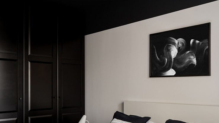 Small Bedroom With Dark Ceiling