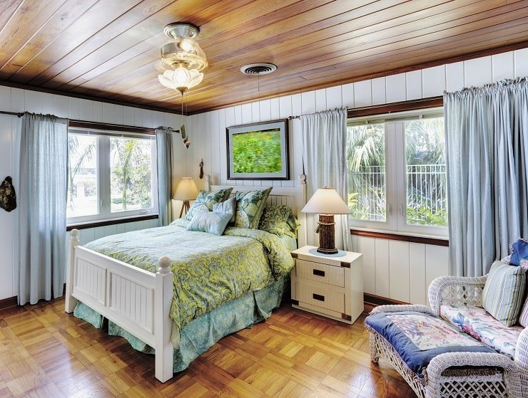 Small Bedroom With Wooden Ceiling