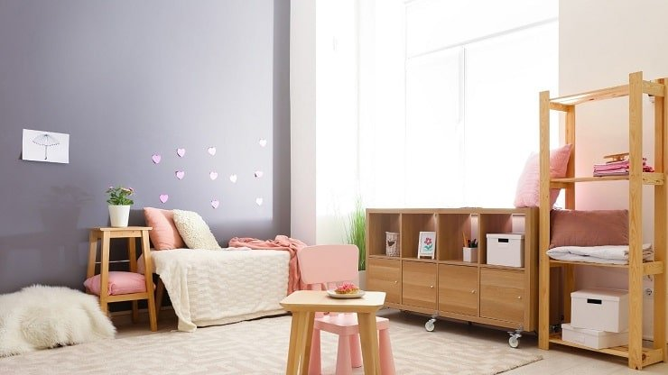 Kid's Bedroom With Bold Accent Color