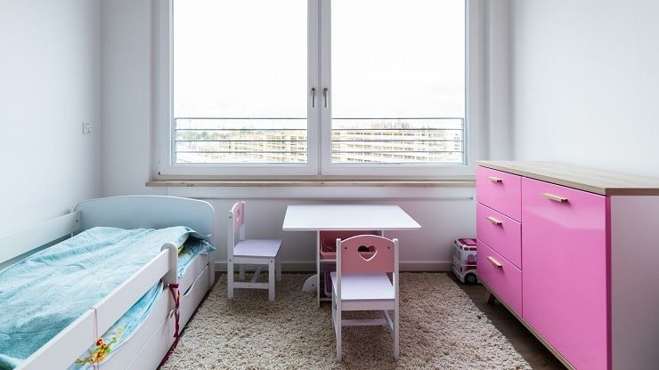 Kid's Small Bedroom With Multi Functional Furniture