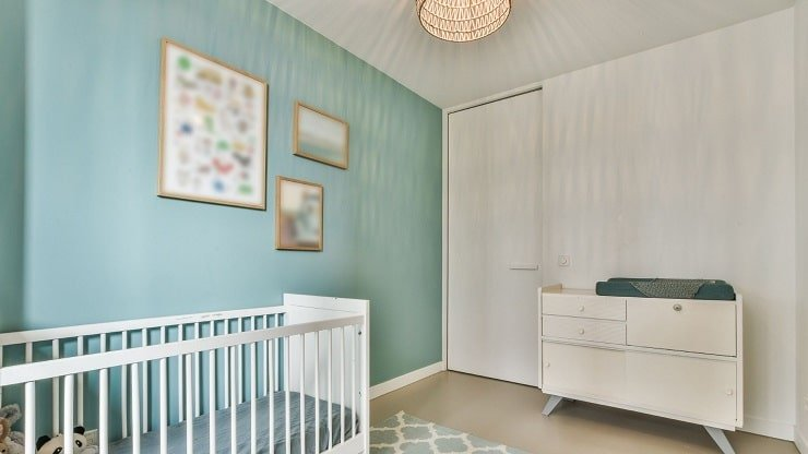 Kid's Small Bedroom With Selective Decor and Wall Art