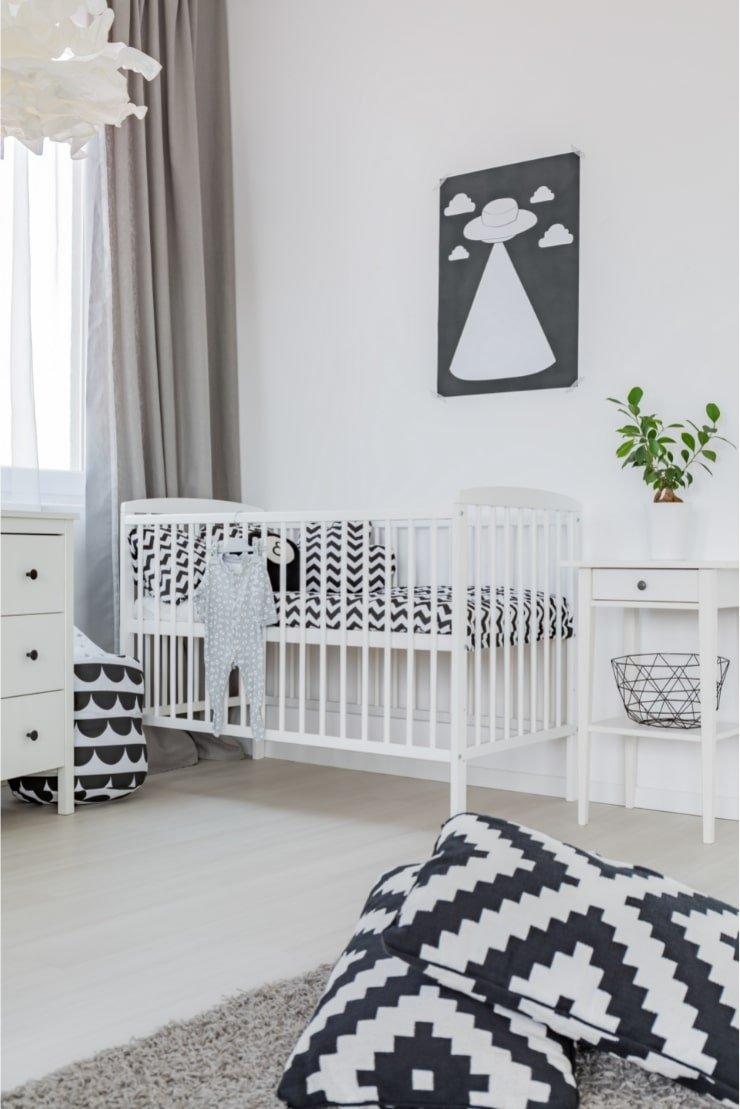 Boy's Small Bedroom With Minimalist Design